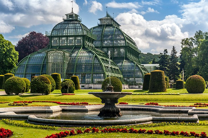 Visiting Vienna's Schonbrunn Palace: Highlights, Tips & Tours | PlanetWare