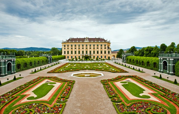 schnbrunn palace and gardens - Must See Wien