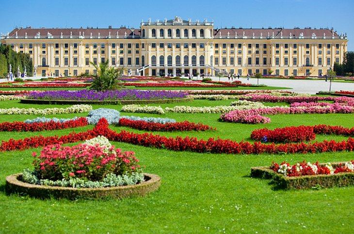 Visiting Viennas Schonbrunn Palace Highlights Tips Tours