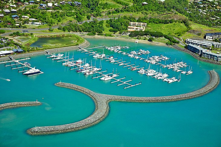 how to get airlie beach whitsundays queensland