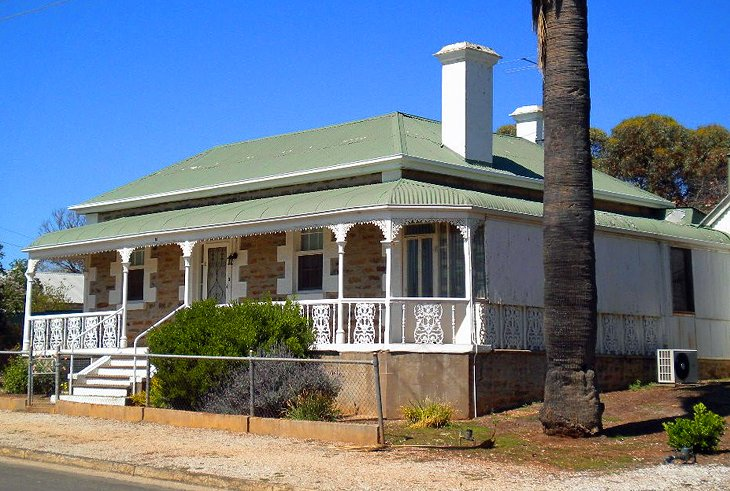 Kapunda country home