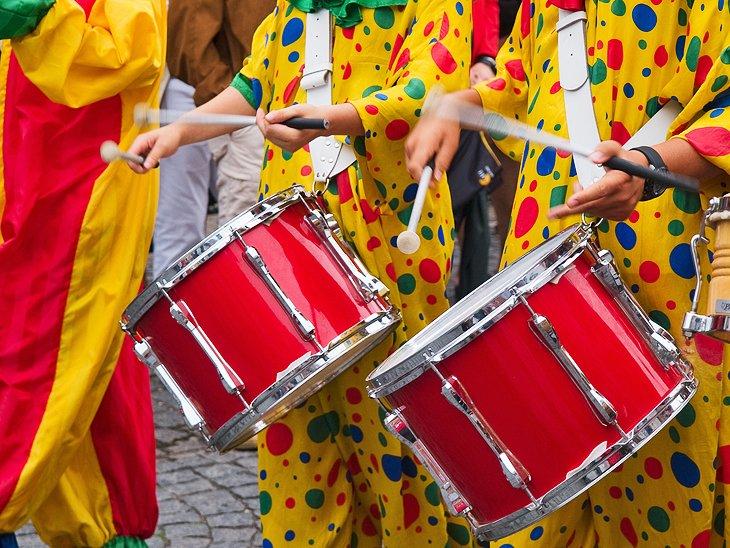 الكرنفال البرازيلي هو أكبر حدث سياحي سنوي في مدينة ريو دي جانيرو البرازيلية