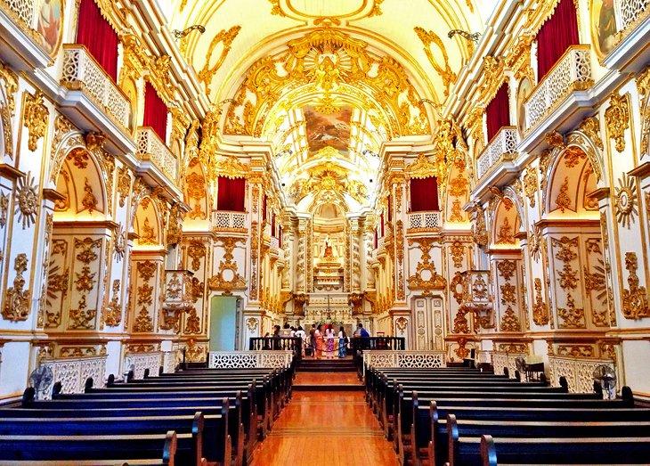 كنيسة العذراء سيدة جبل الكرمل من أشهر المزارات السياحية في مدينة ريو دي جانيرو البرازيلية