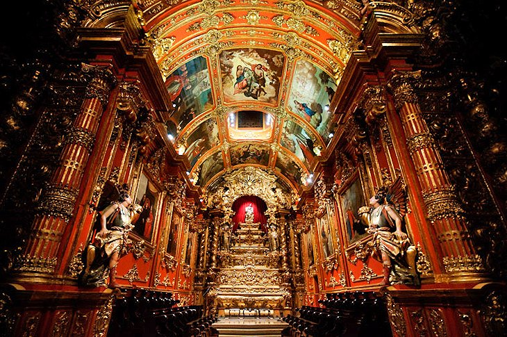 كنيسة ساو بينتو من المزارات السياحية في مدينة ريو دي جانيرو البرازيلية