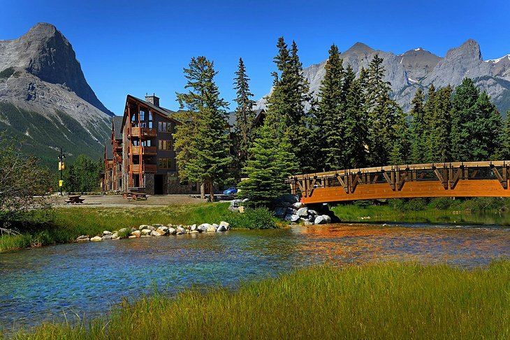 Photo Source: Rundle Cliffs Luxury Mountain Lodge