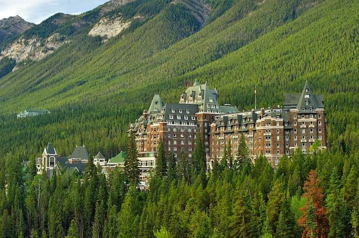 hotels in banff national park
