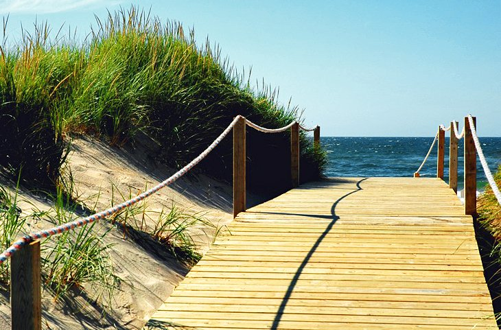 Boardwalk over Îles de la Madeleine dunes