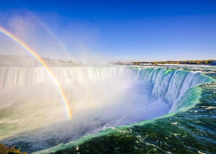 15 top rated tourist attractions in canada planetware for Best places to see in canada