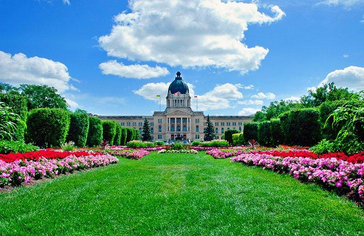 12 TopRated Tourist Attractions in Saskatchewan PlanetWare