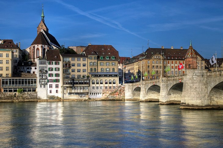Mittlere Bridge in Basel