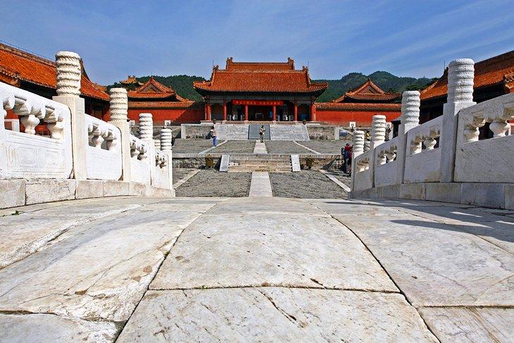 Las tumbas de Qing del este