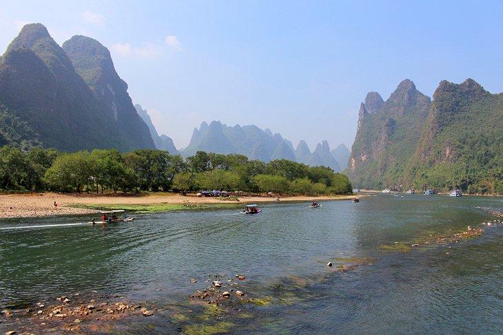 Montañas a lo largo del río Li