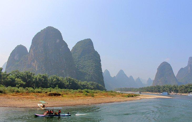 Escena del billete de 20 años en el río Li