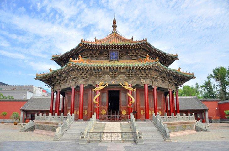 مقبره نور؛ آرامگاه امپراتوری شمالی چین
