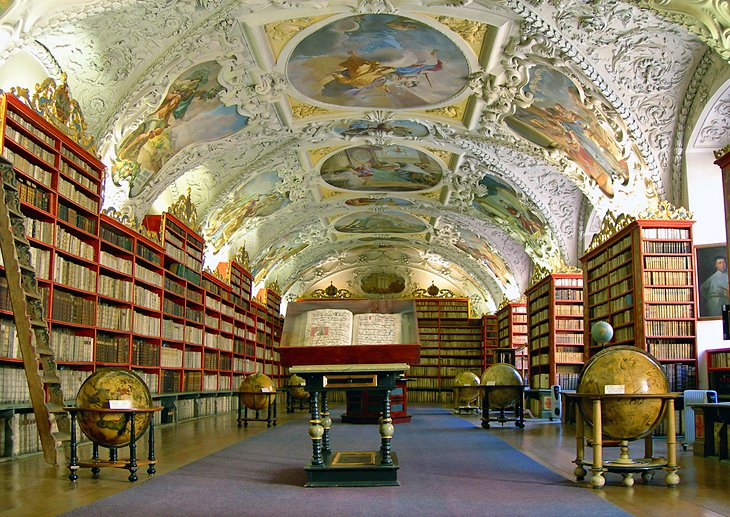 Spectacular Libraries: The Clementinum and Strahov Monastery