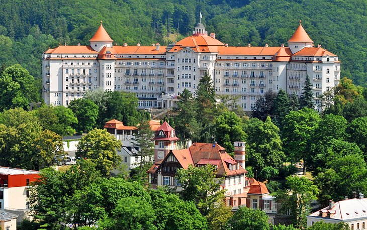 Spa Town: Grand Resorts and Hotels
