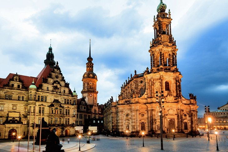 15 top tourist attractions in dresden easy day trips. Black Bedroom Furniture Sets. Home Design Ideas
