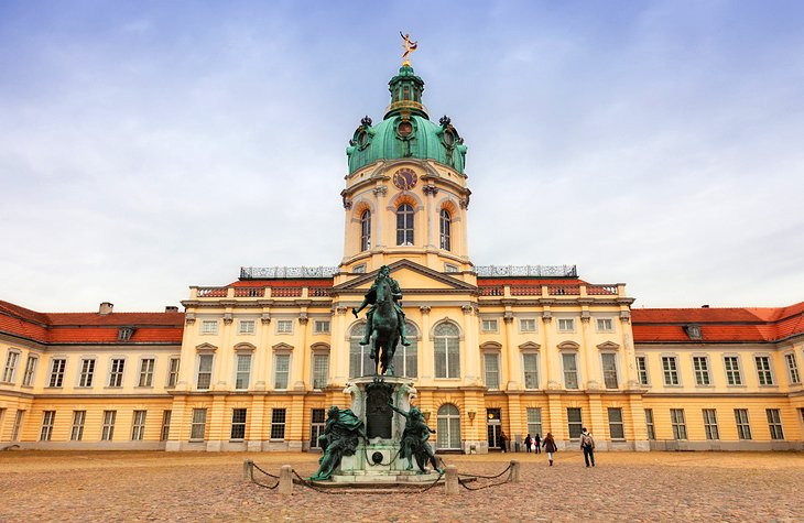 Exploring Berlin's Charlottenburg Palace | PlanetWare