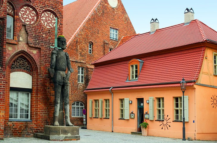Town Hall and the Statue of Roland