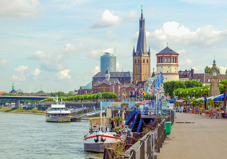 11 Top-Rated Tourist Attractions in Dusseldorf | PlanetWare on map of sydney australia, map of rail dusseldorf to cologne germany, map of wittlich germany and dusseldorf, map of krefeld, map of europe, map of germany dusseldorf germany,