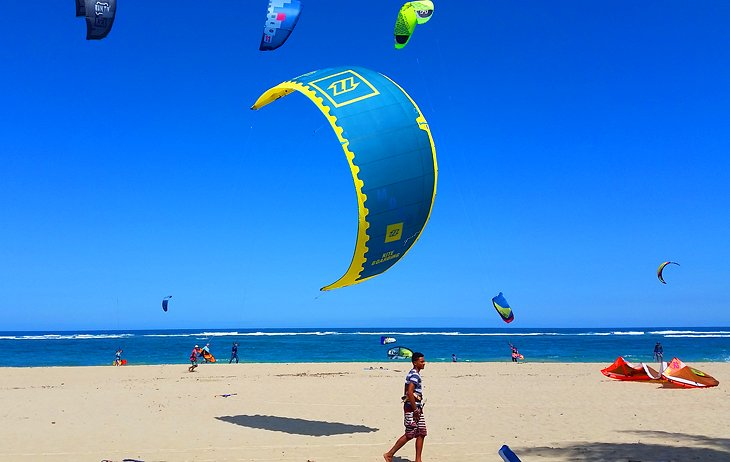 Launching a kite on Kite Beach