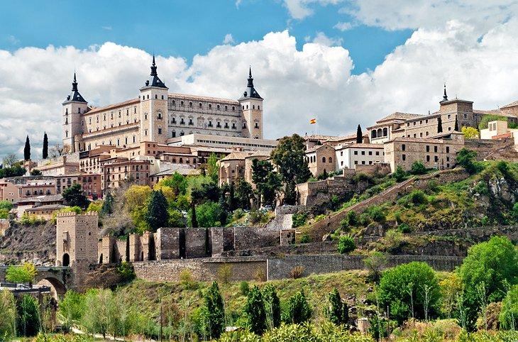 16 top tourist attractions in toledo easy day trips for Oficina de turismo de toledo capital