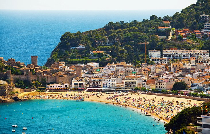 Best Beaches In Barcelona For Swimming