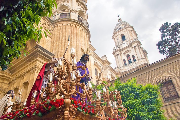 11 Top-Rated Tourist Attractions in Malaga | PlanetWare on segovia attractions, lima attractions, castilla y leon attractions, shanghai attractions, cartagena attractions, bari attractions, toulon attractions, alicante attractions, zaragoza attractions, valencia attractions, stavanger attractions, rio grande attractions, port canaveral attractions, catania attractions, southern spain attractions, costa del sol attractions, palma de mallorca attractions, wenatchee attractions, miraflores attractions, toledo attractions,