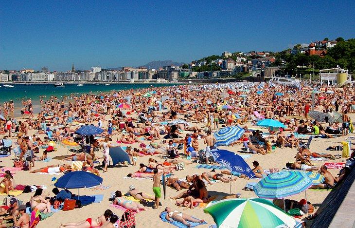 2 Playa De Ondarreta