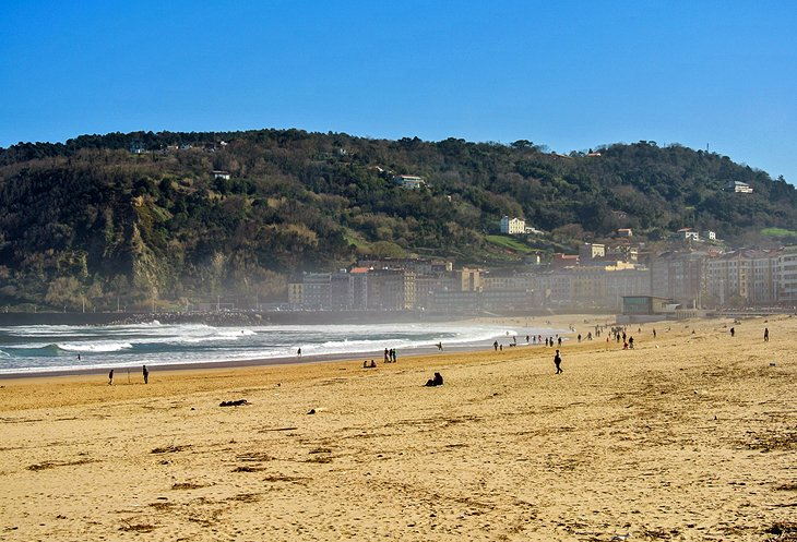 Playa de la Zurriola: Surfers' Beach