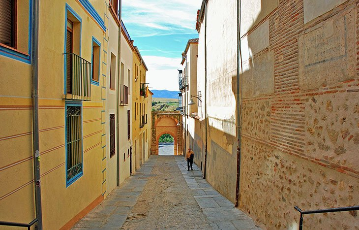 16 Top Tourist Attractions in Segovia & Easy Day Trips  PlanetWare
