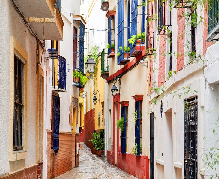 Barrio Santa Cruz: Seville's Most Charming Neighborhood