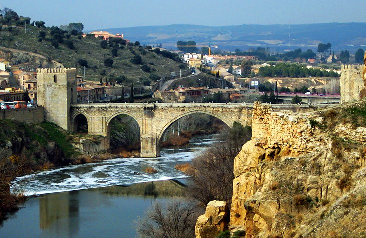 15 Top Tourist Attractions in Toledo & Easy Day Trips ...