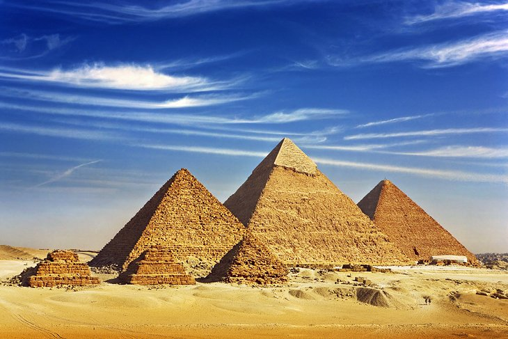 Ms.Roytawan Keawcham M.3/4 No.21 Egypt-cairo-pyramids-of-giza