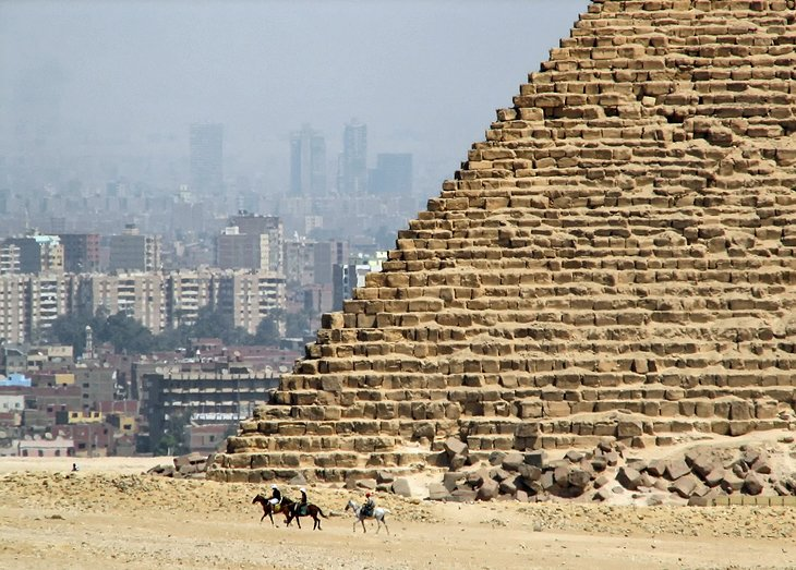 Pyramids of Giza: Attractions, Tips & Tours | PlanetWare