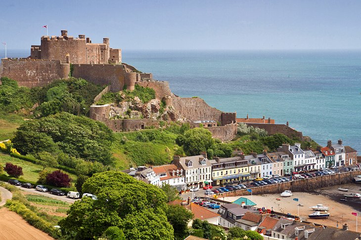 Exploring the Top Attractions of the Channel Islands PlanetWare