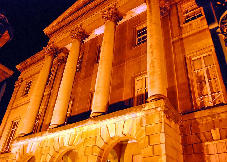 Apsley House: Home of the Duke of Wellington Museum