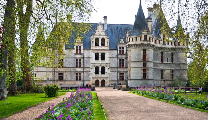 17 best places to visit in france planetware - Visite chateau azay le rideau ...