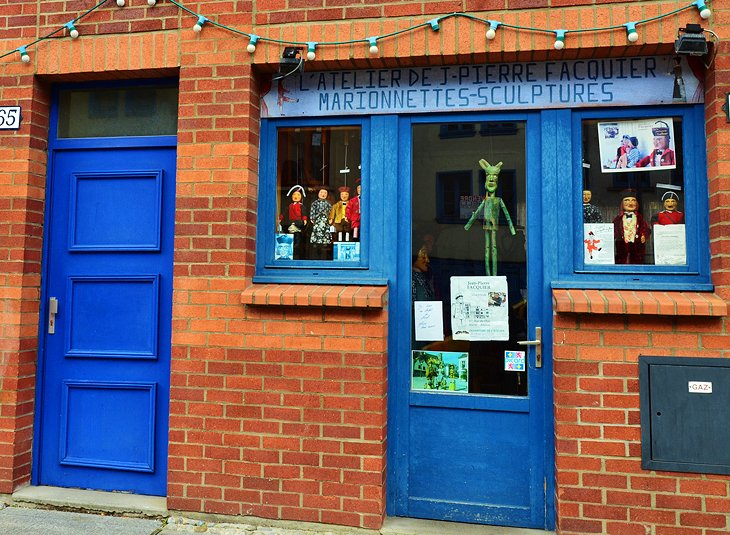 Traditional Marionettes & Puppet Theater