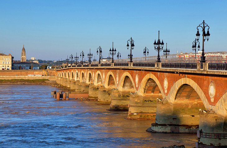 14 top tourist attractions in bordeaux easy day trips planetware. Black Bedroom Furniture Sets. Home Design Ideas