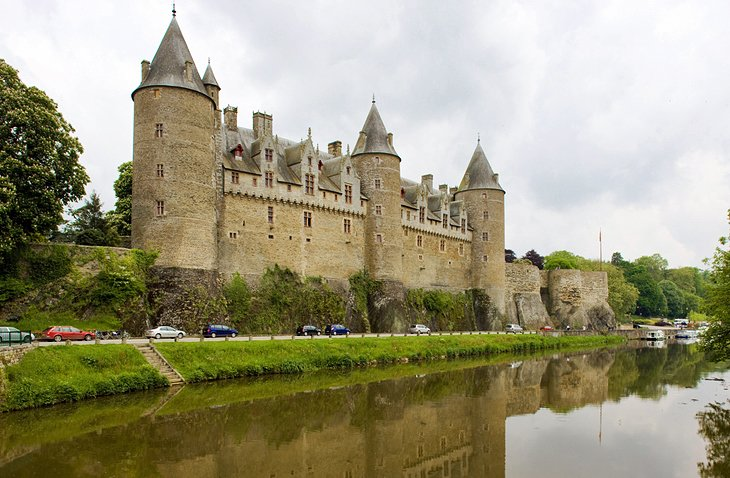 14 top rated tourist attractions in brittany planetware for Chateaux in france to stay