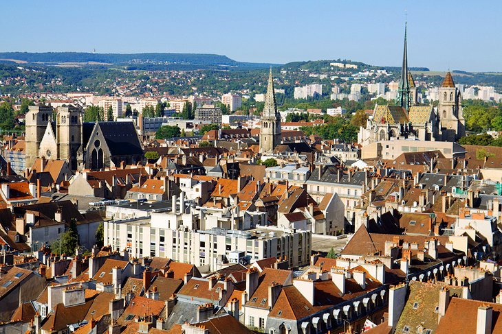 17 top rated tourist attractions in burgundy planetware for Domon france