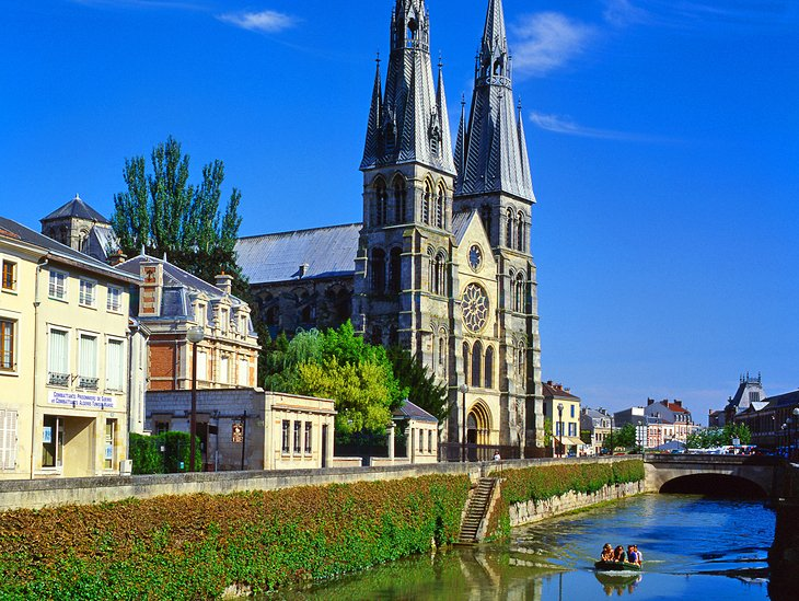 15 TopRated Tourist Attractions in Champagne PlanetWare