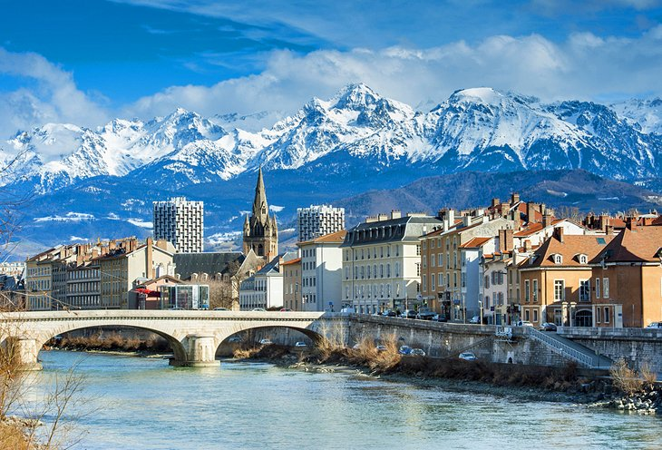 16 top rated attractions places to visit in the french for Piscine grenoble