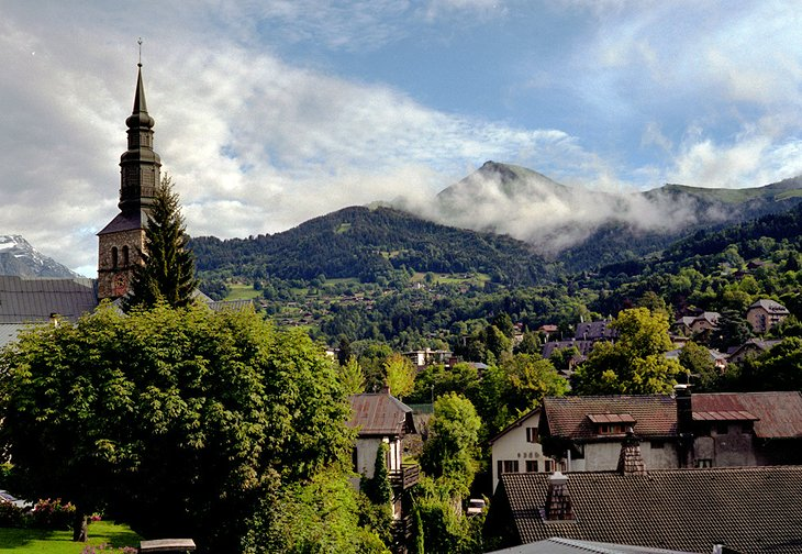 16 Top-Rated Tourist Attractions in the French Alps | PlanetWare