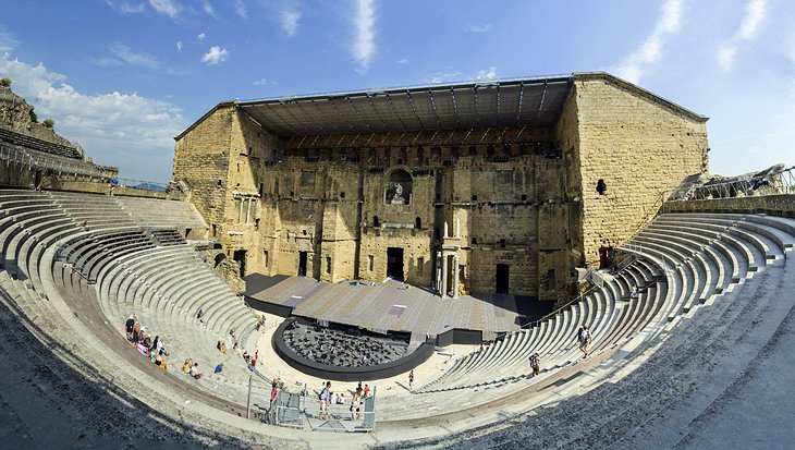 Enjoy Outdoor Performances at Ancient Theaters in Haut-Vaucluse