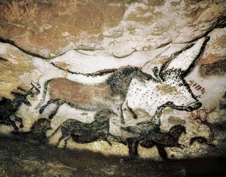 Prehistoric Cave Paintings in Lascaux