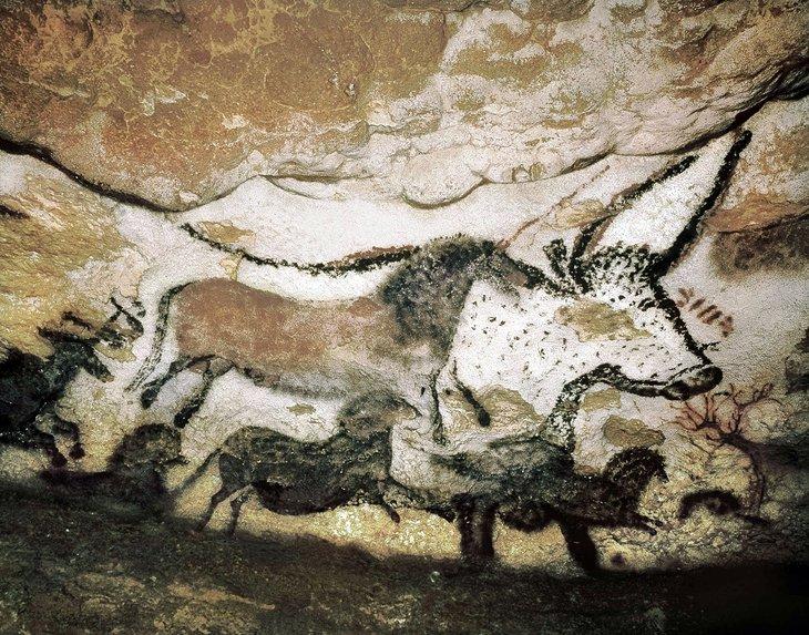 Lascaux में प्रागैतिहासिक गुफा पेंटिंग