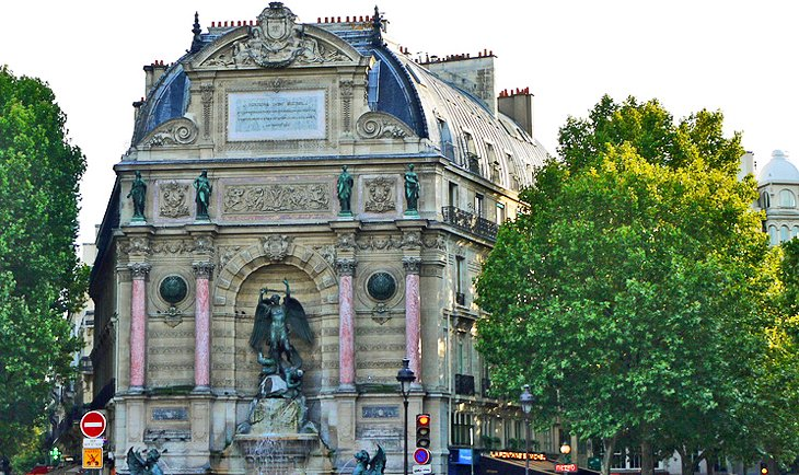 Latin quarter paris 15 top attractions tours nearby - Metro saint michel paris ...