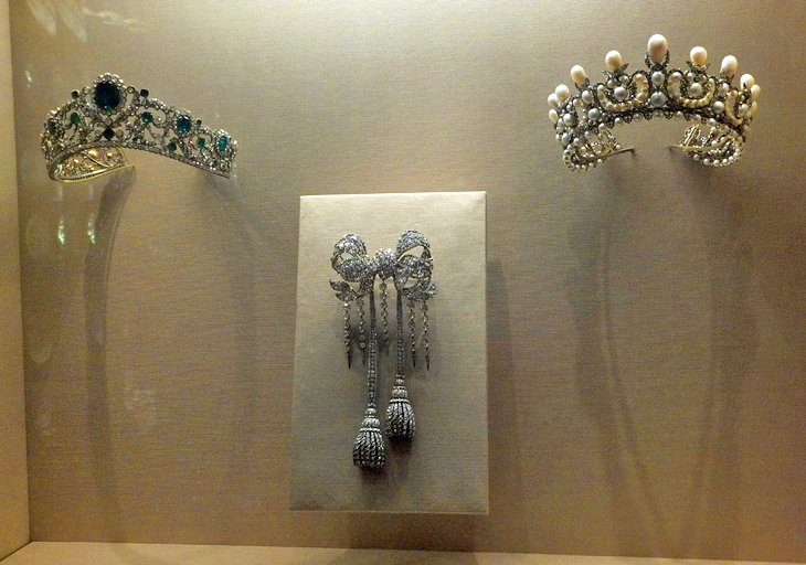 French Crown Jewels (Department of Decorative Arts)